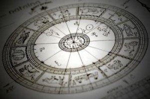 52884-350x232-Astrological_chartreading